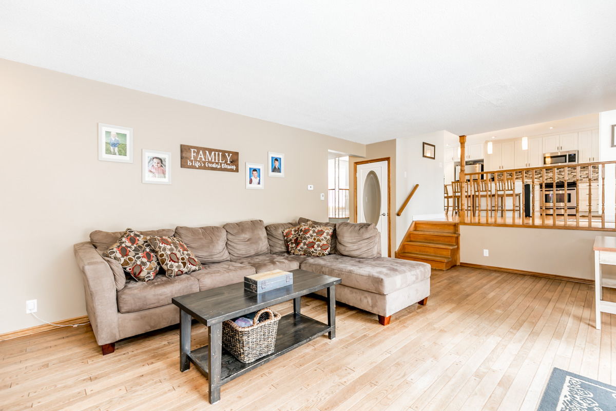 http://listingtour.s3.amazonaws.com/644-broadview-avenue/644 Broadview Avenue-118.jpg